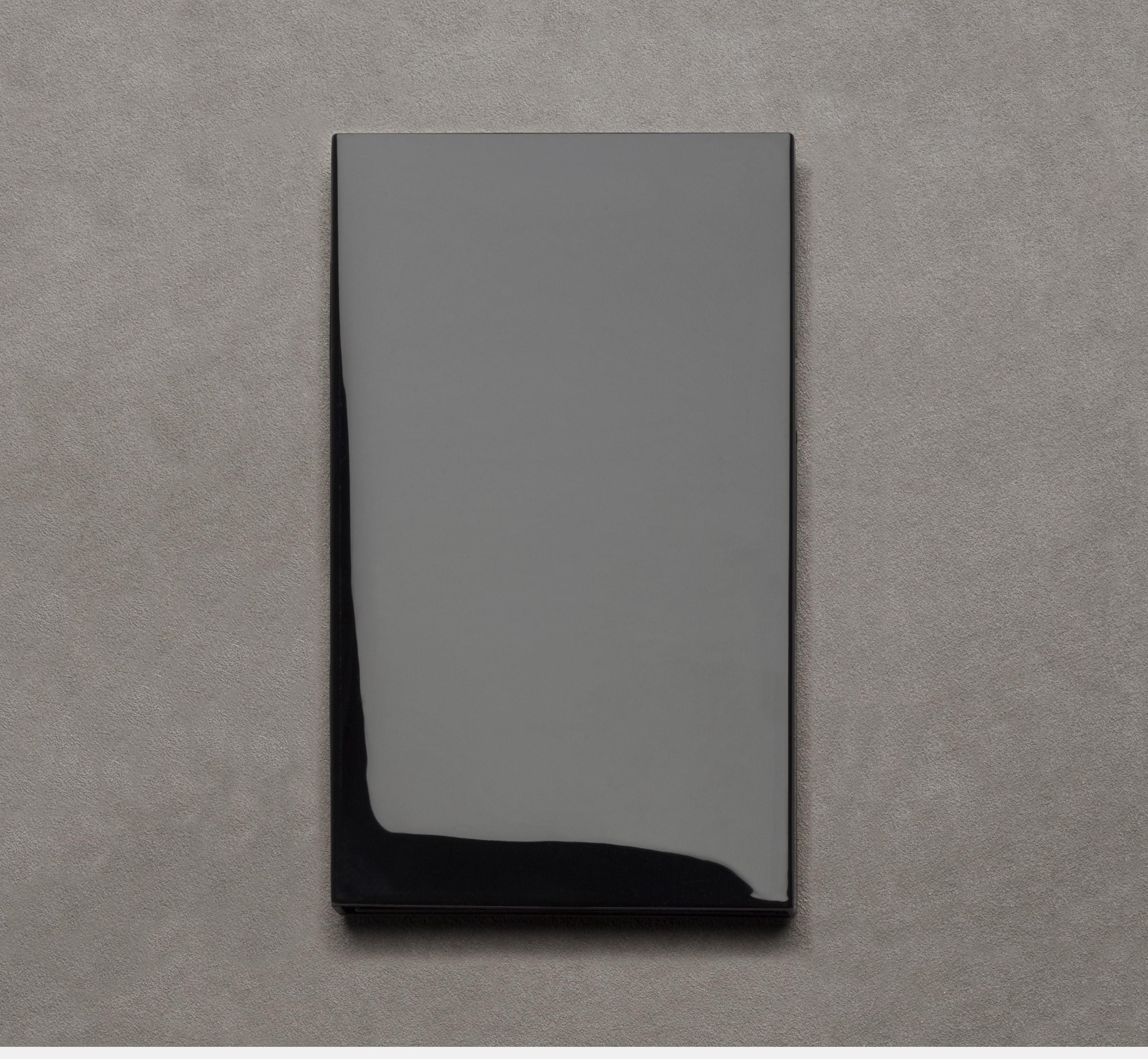 Le Carnet 08.16 Black lacquered