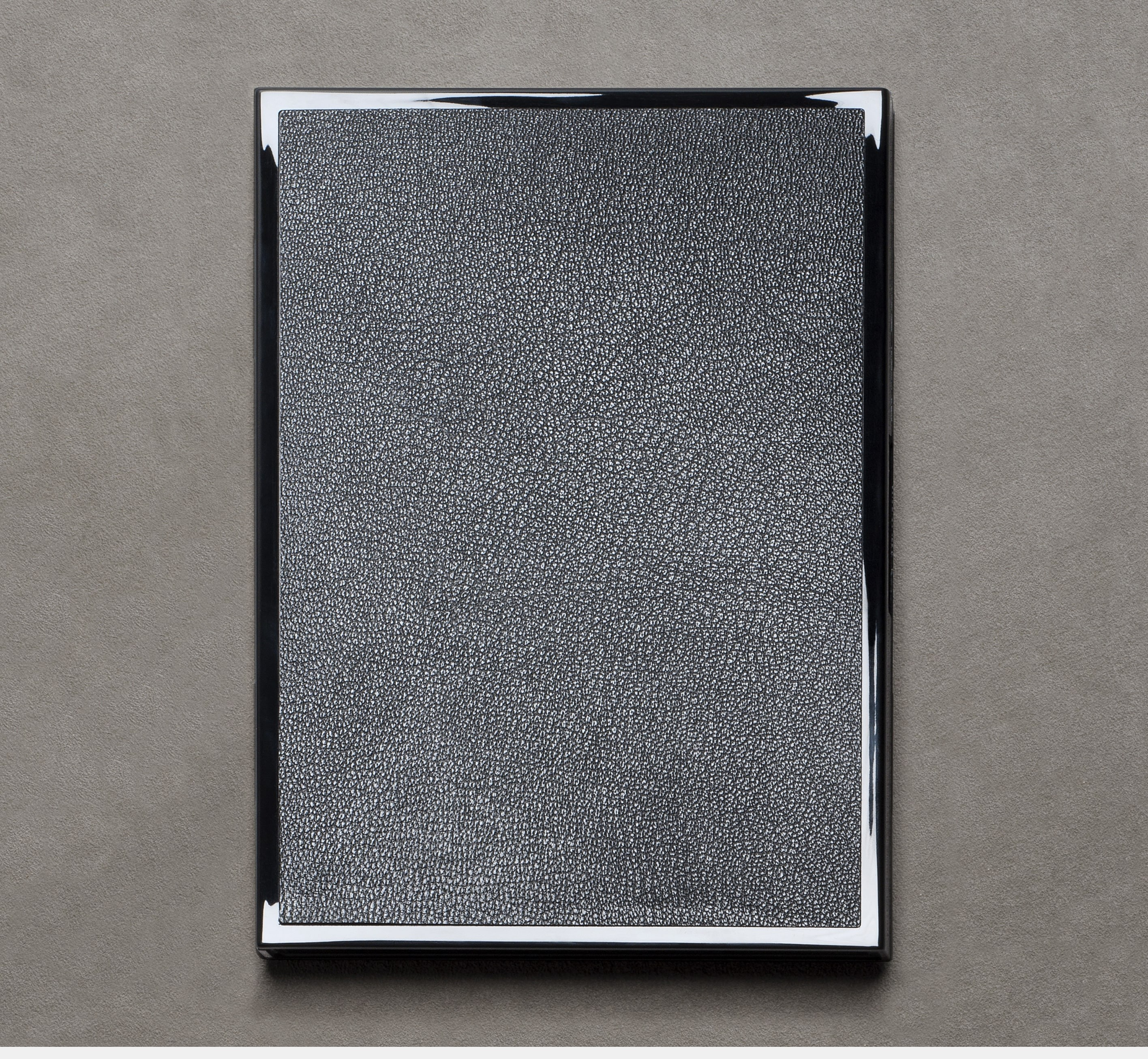 le-carnet-1219-black-lacquered-embbeded-with-leather