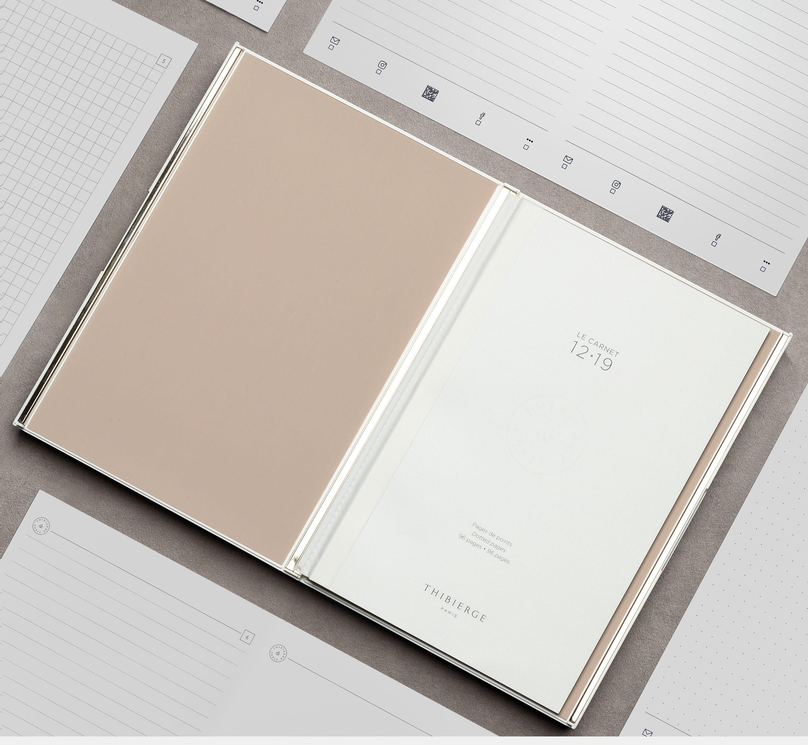 Le Carnet 12.19 White lacquered