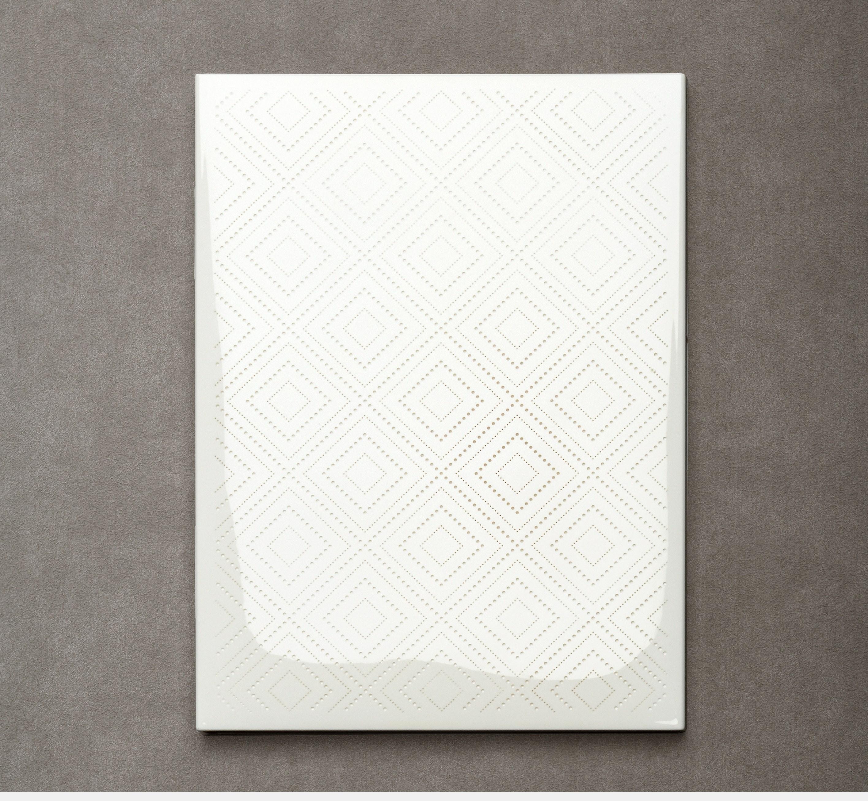 le-carnet-1219-dentelle-white-lacquered
